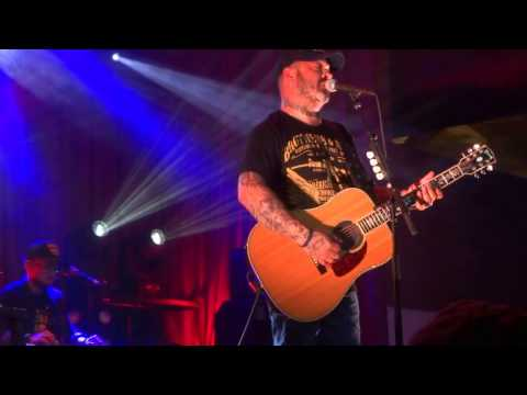 9. Folded Flag (Luke's Song for Soldiers): Aaron Lewis - Live - Lexington, Kentucky