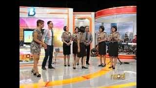 ngopi presenter tv dibanting polwan cantik