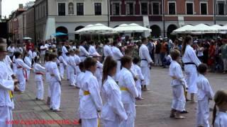 35-lecie Lubelskiego Związku Karate Tradycyjnego - trening na Rynku w Zamościu, 6 lipca 2014