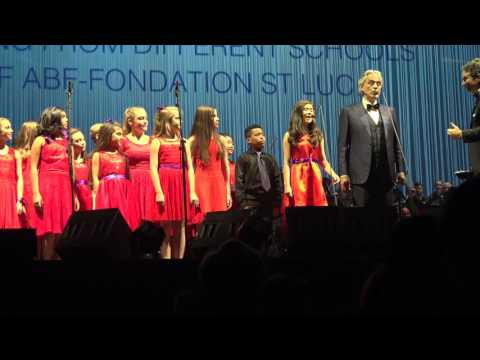 Amazing Grace - Andrea Bocelli with Adderley Singers (12/08/16 in Austin)