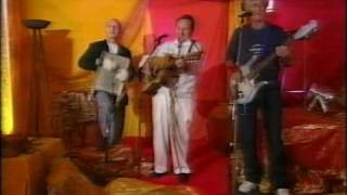 Lonnie Donegan - Rock Island Line. (Glastonbury 1999)