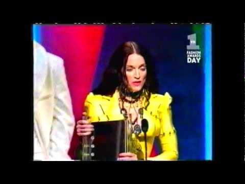 Madonna Receiving most fashionable artist award