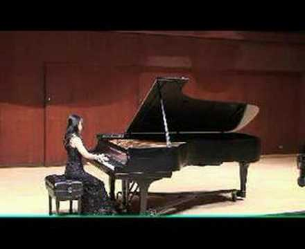 Lucille Chung performs Schumann Warum