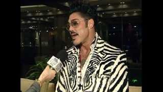 Ricardo Fort en su tour por la noche rosarina