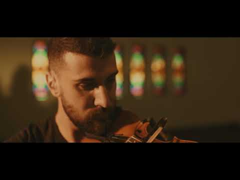 Mashrou' Leila - Marrikh (Live at AUB Assembly Hall) | مشروع ليلى - مريخ