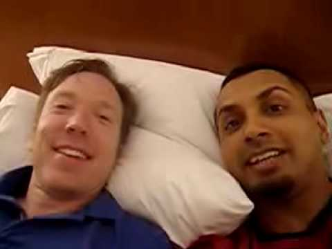 Inside Comic-Con2007 #2: In bed with Tim & Aman