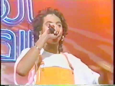 Soul Train 92 Performance  MC Lyte  Poor Georgie!