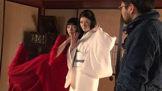 """二階堂ふみ、真木よう子とキュートな""""金魚ダンス"""" 息を合わせてピョンピョンと…  映画「蜜のあわれ」メーキング映像 #Fumi Nikaido #Yoko Maki"""
