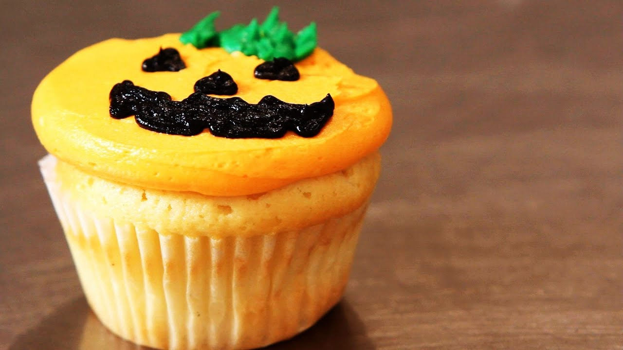 how to decorate cupcakes for halloween cupcake tutorials youtube - Halloween Decorations Cupcakes