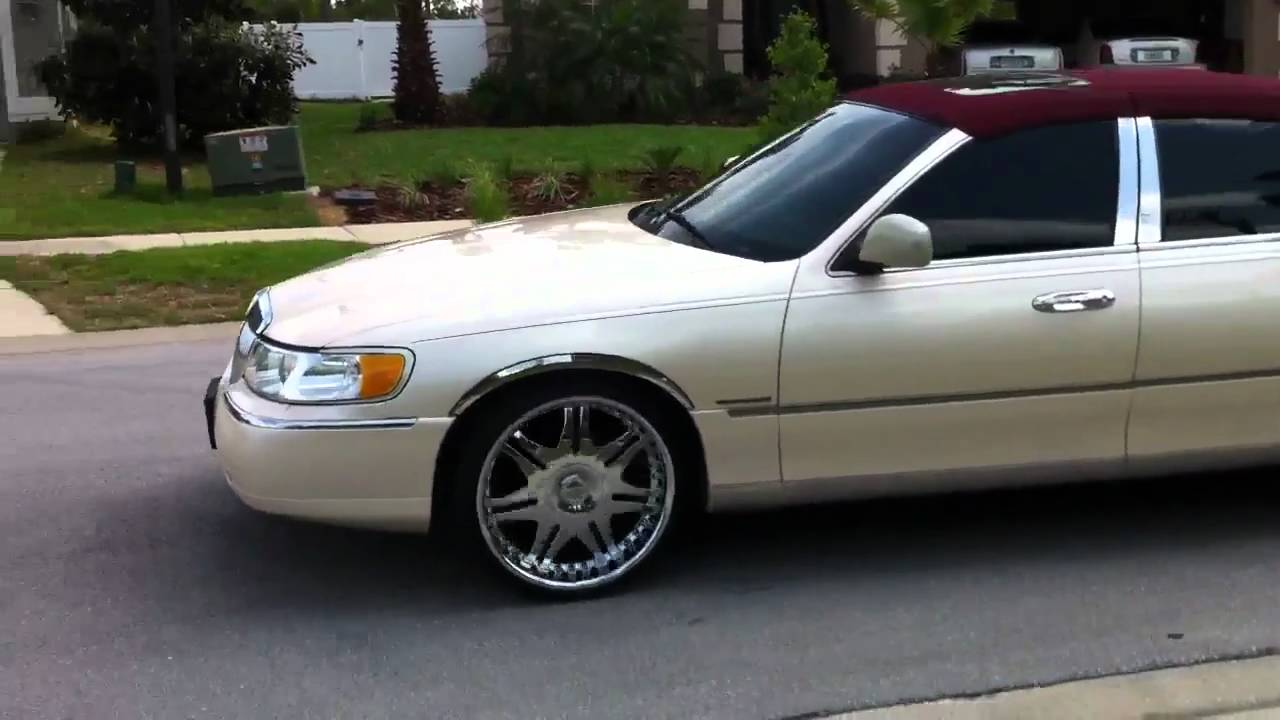 Lincoln Town Car On 22s
