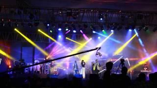 Shankar Mahadevan And Rasika Performing Live - Sajda