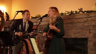 Chris Thile & Aoife O'Donovan - Fairytale of New York (The Pogues)