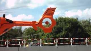 Christoph 12 ( EC 135) & SAR 56 (Bell UH-1D)  im Landeanflug am BWK Hamburg