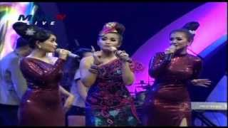 Video FITRI CARLINA Feat YOUBI SISTER Live At Music Extra (12-12-2013) Courtesy MNC TV download MP3, 3GP, MP4, WEBM, AVI, FLV Juli 2018
