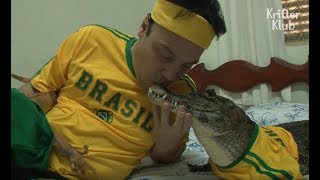 Crocodile Is A Fan of Soccer | Kritter Klub