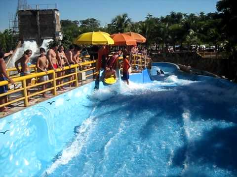 Surf 1 Piscina De Ondas Thermas Dos Laranjais Youtube
