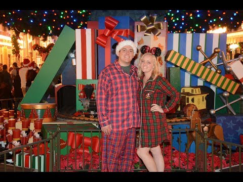 Mickey's Very Merry Christmas Party 2017 | Pajama's, Free Cookies, and Santa Clause or Claws