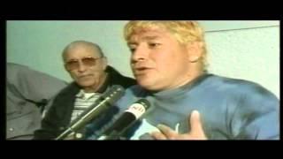 Maradona sa žutom kosom (2000)