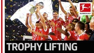 Supercup 2017 - Trophy Lifting FC Bayern München