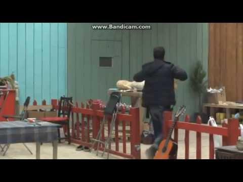 ÜTOPYA - Sinirli Abidin Elindeki Sopayı Çitlere Vurarak Kırdı