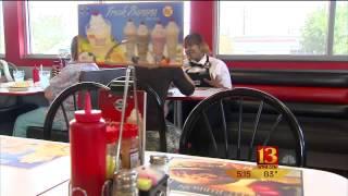 Steak 'n Shake Waitress Receives A 7000% Tip