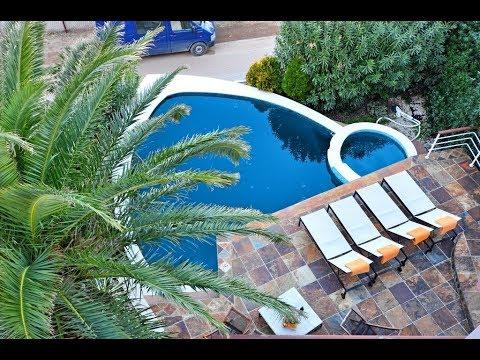 Вилла с бассейном в п. Крашичи - недорогая недвижимость в Черногории