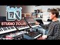 Capture de la vidéo Switched On Austin - Synth Studio, Office Tour & Synthesizer Reviews