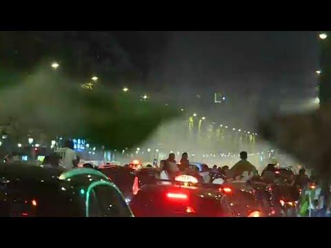 فرنسا: الجالية الجزائرية تشتعل فرحا بنيل ثعالب الصحراء لقب كأس الأمم الأفريقية  - 11:55-2019 / 7 / 22