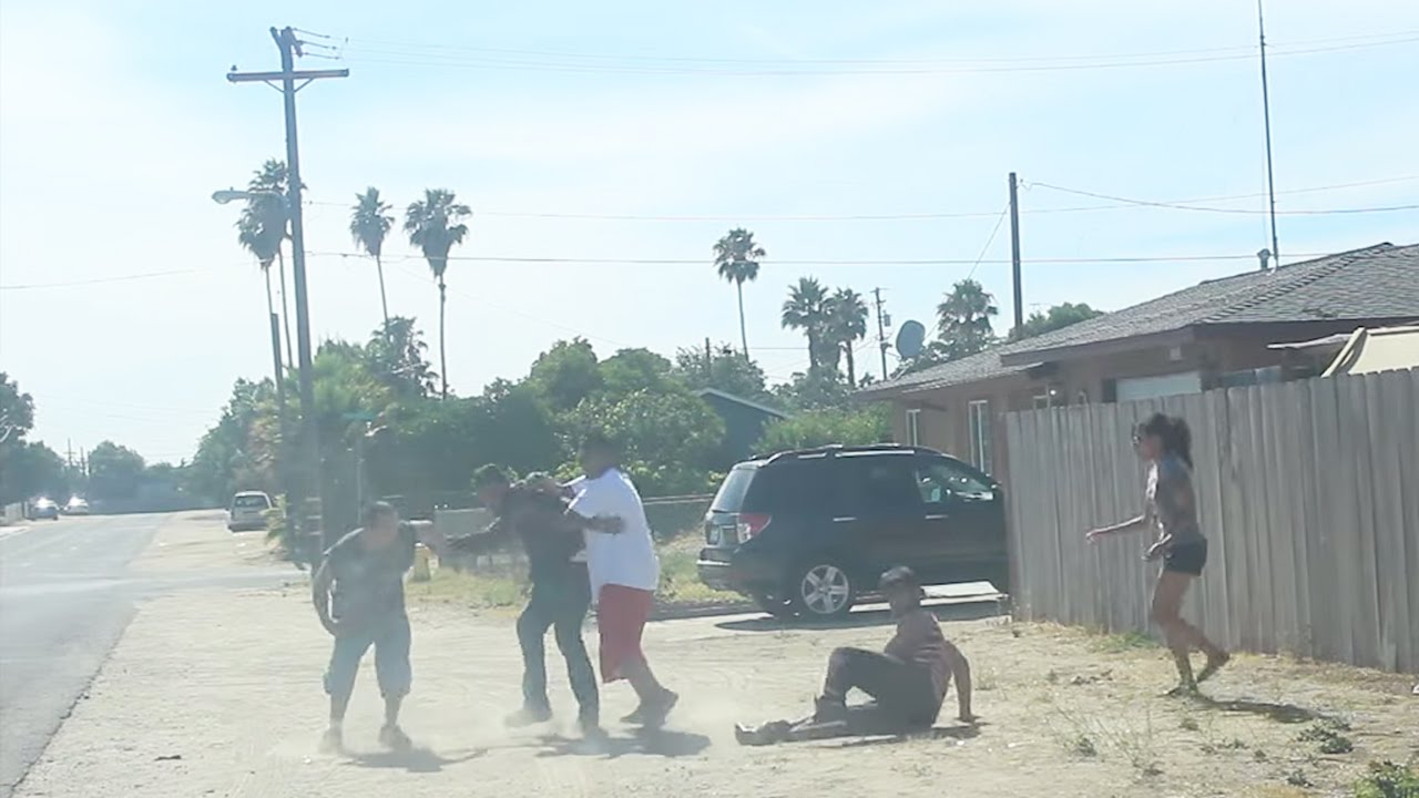 Fight Prank In The Hood