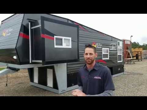 NEW 2017 Ice Castle 5th Wheel W/ Slide Out.  It's Huge!