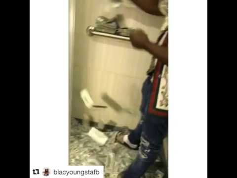 Blac Youngsta throws 1M in bathroom