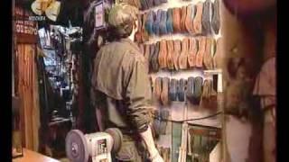 как шить обувь Казаки(фильм о том как шьют Казаки)))), 2009-03-12T14:16:09.000Z)