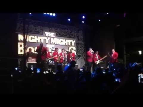Jimmy Kimmel Live w/ The Mighty Mighty BossTones - The Impression That I Get