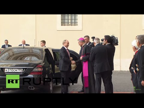 Holy See: Putin arrives at Vatican City ahead of meeting with Pope Francis