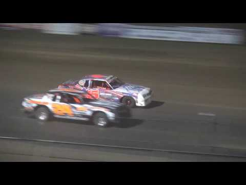 IMCA Hobby Stock feature Independence Motor Speedway 4/22/17