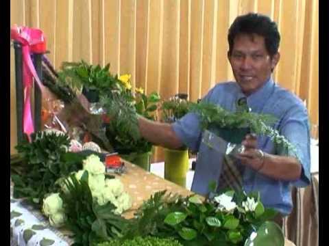 การจัดดอกไม้การขึ้นโครง