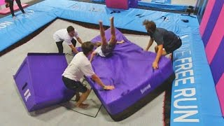 SUPER TRAMPOLINE VS GIANT CRASH PAD!