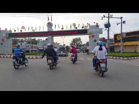 Xa lộ Biên Hòa,Ngã ba Vũng Tàu, Tam Hiệp  chiều Mùng 1,Tết Đinh Dậu