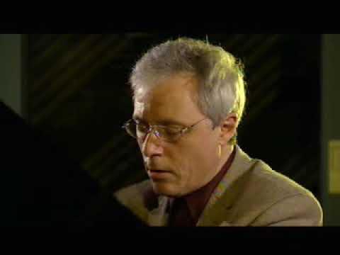 Pascal Devoyon  - Debussy  Estampes: III. Jardins sous la pluie