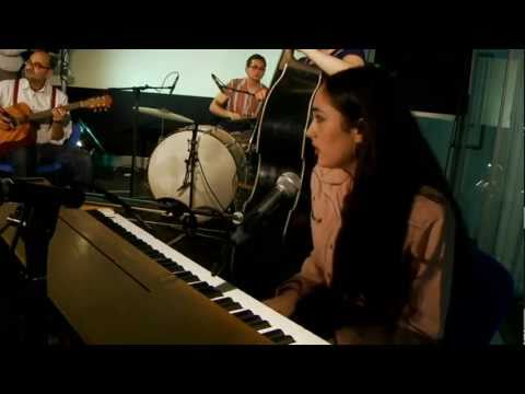 Kitty, Daisy and Lewis perform Messing With My Life