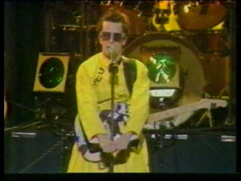 Devo - Live In Japan 5-28-79 (Part 1)