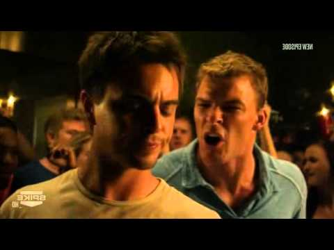 Download Blue Mountain State - Beer pong