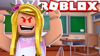 WE'RE TURNING INTO A HORROR TEACHER! Roblox [English/HD]