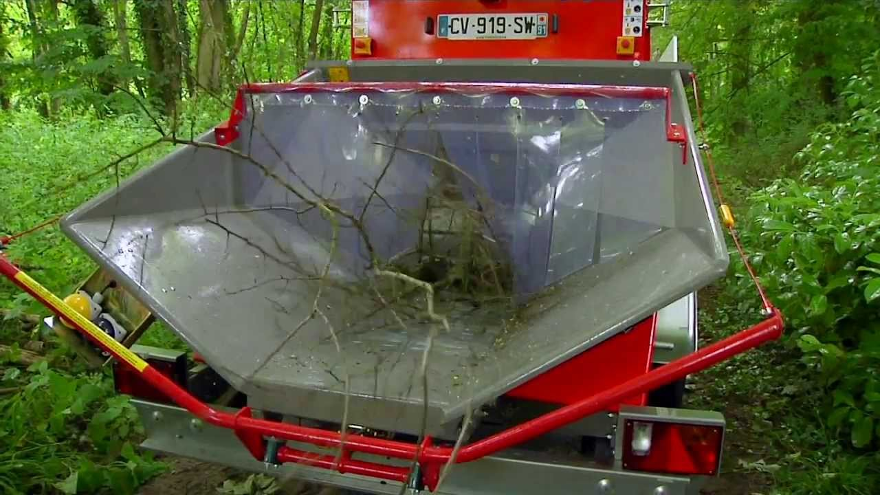 Location Broyeur Bois - Broyeur Multi végétaux Loxam YouTube