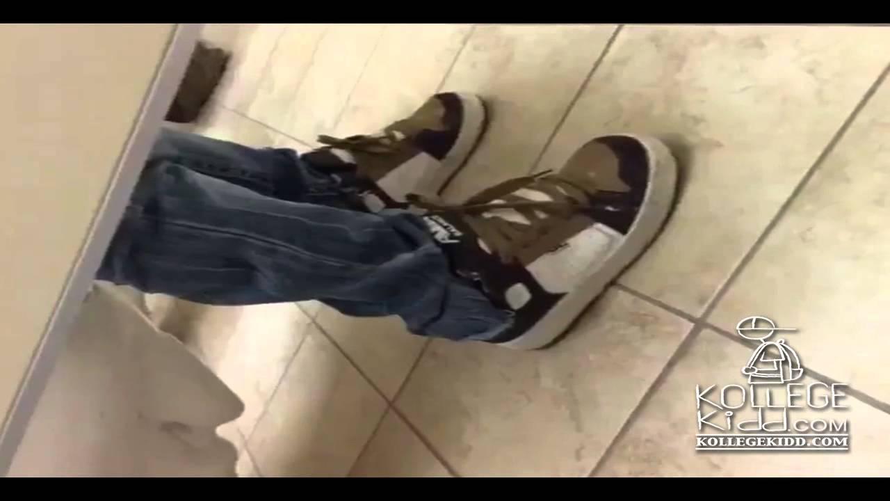 Vonmar What You Doin N Gga Bathroom Stall Prank Youtube