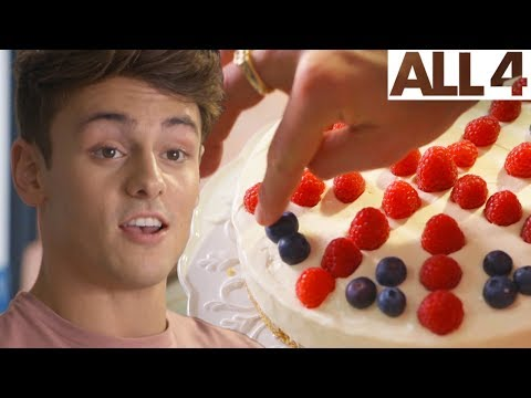 Tom Daley's Union Jack Cheesecake! | Celebrity Secret Recipes