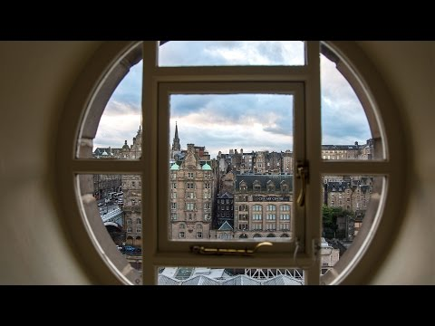 BEST VIEW OF EDINBURGH - You NEED to stay in this HOTEL!