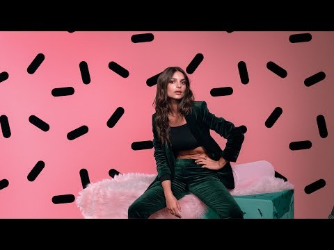Thumbnail: How the OnePlus 5 Dual Camera works ft. Emily Ratajkowski