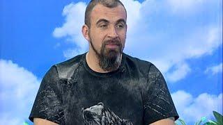 Ведущий шоу «Бои белых воротничков» Богдан Хмельницкий: впервые сезон проходит в нескольких странах