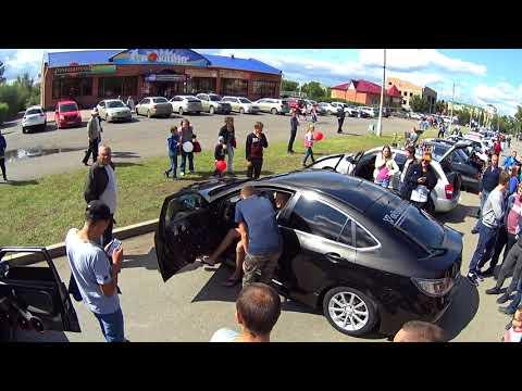 Выставка автозвука ! Mazda 6 развлекает толпу !